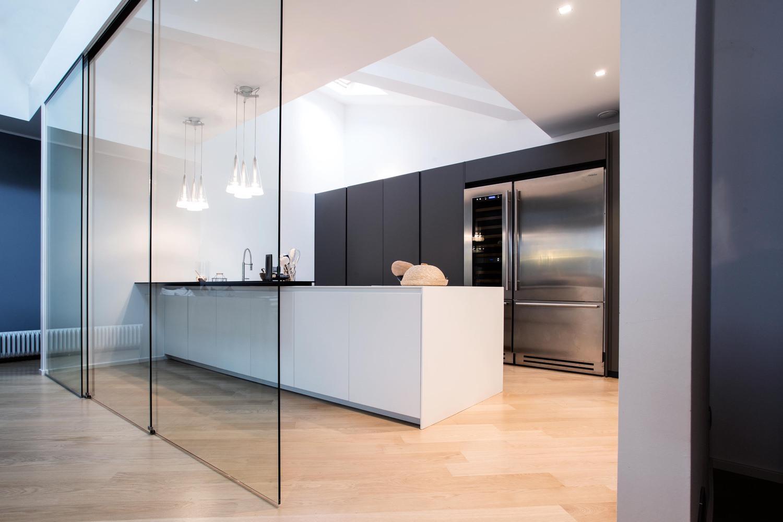 Cucina Con Vetrata Scorrevole il vetro in cucina | henry glass
